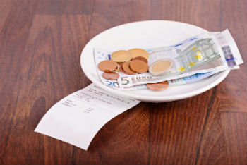 Should I Be Tracking My Restaurant Tips?